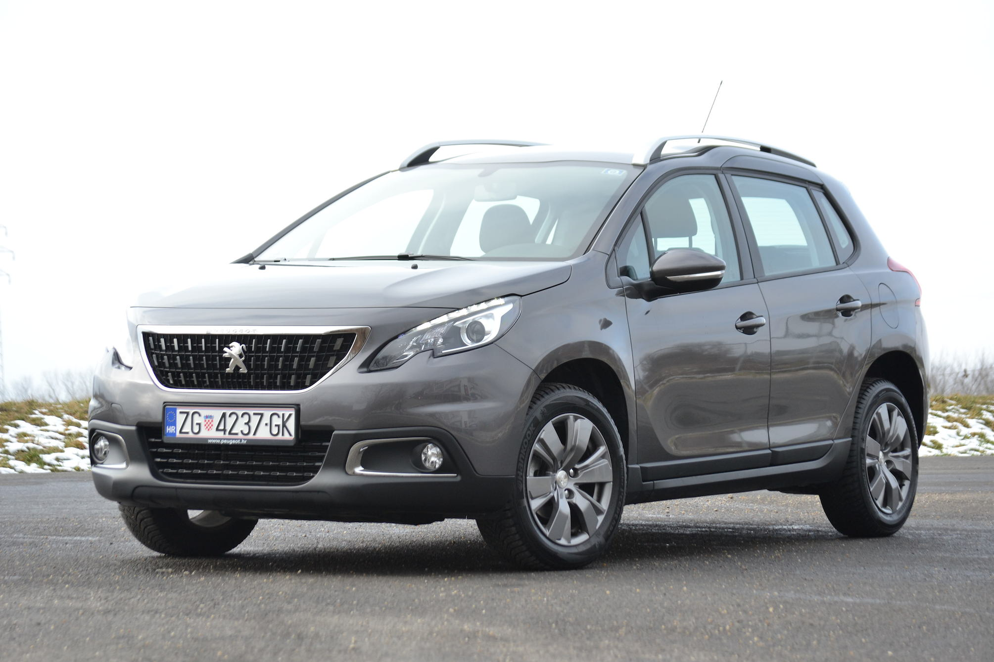 auto grifon test peugeot 2008 bluehdi 100 active. Black Bedroom Furniture Sets. Home Design Ideas